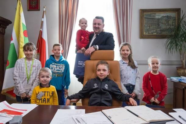Dzieci podczas strajku nauczycieli zjawiły się w gabinecie prezydenta Bielska-Białej