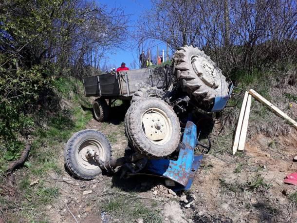 Trzebunia: Nie żyje przygnieciony traktorem rolnik