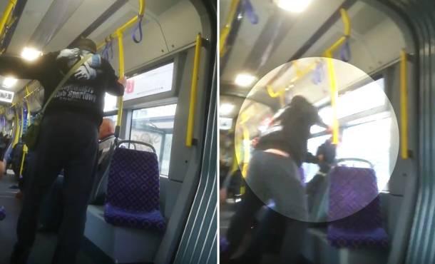 Drastyczne sceny w bydgoskim tramwaju. Pobił starszego mężczyznę