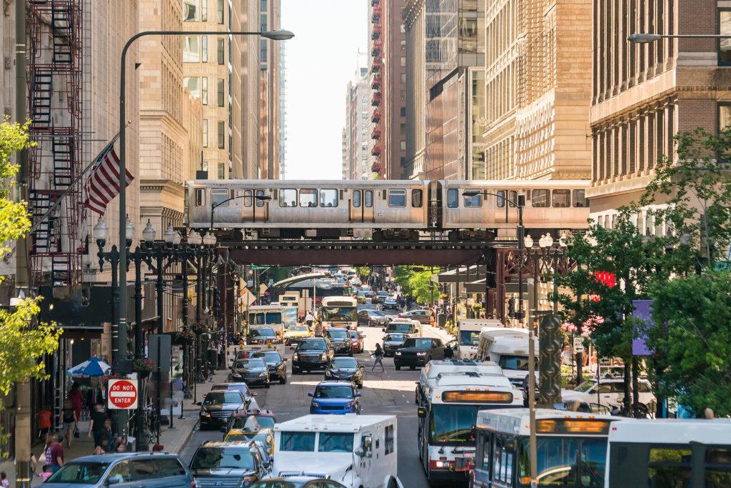 Ludzie wyprowadzają się z Chicago