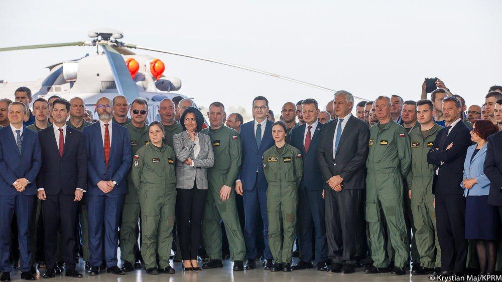 Premier i szef MON podpisali umowy na dostawę śmigłowców dla Marynarki Wojennej