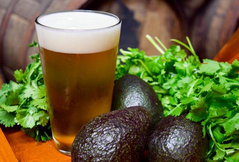 W amerykańskich sklepach może zabraknąć piwa i awokado z Meksyku