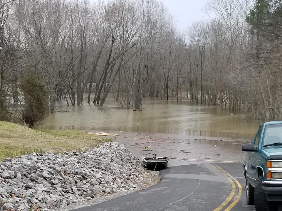 Stan wyjątkowy w powiatach Illinois z powodu lokalnych podtopień