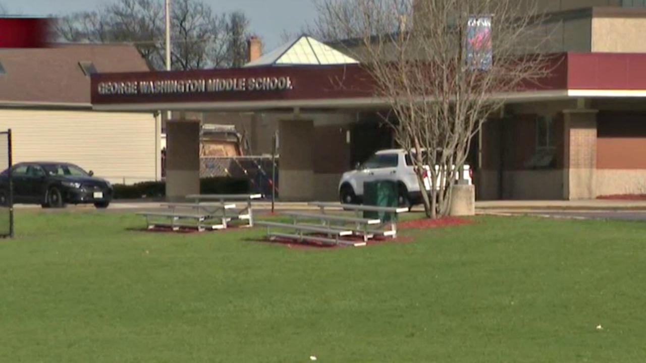 Uczeń śmiertelnie postrzelił się w szkole