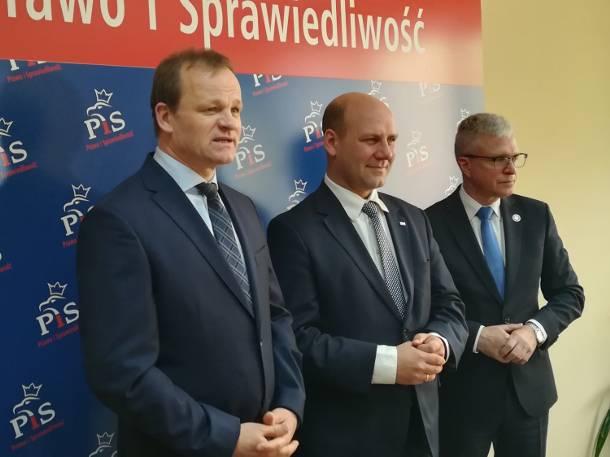 """Wiceminister spraw zagranicznych o Gnieźnie jako """"zagłębiu samochodów używanych"""""""