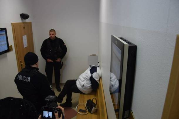 Wielkopolska: Wójt Żelazkowa opuścił tymczasowy areszt. Przeprasza i zapowiada walkę z chorobą alkoholową