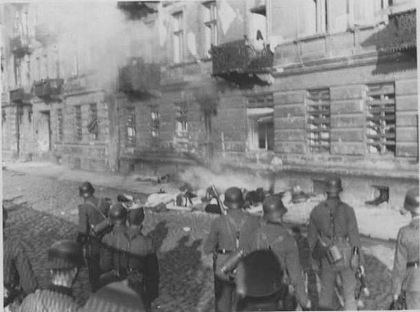 Polska w latach 1939 – 45 straciła jedną trzecią populacji