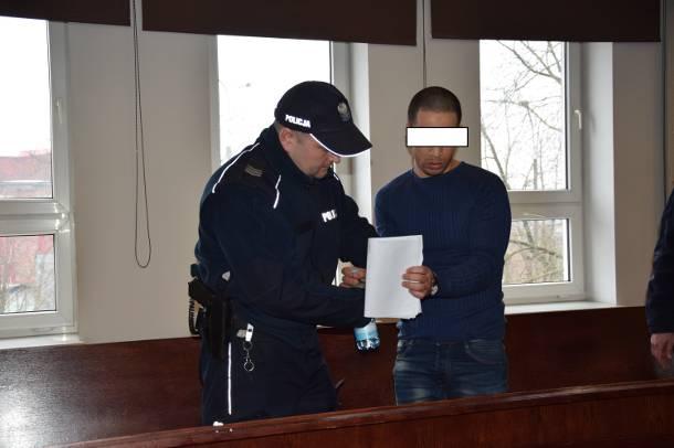 Po zabójstwie przed kebabem w Ełku. Prokurator chce 12 lat więzienia dla kelnera