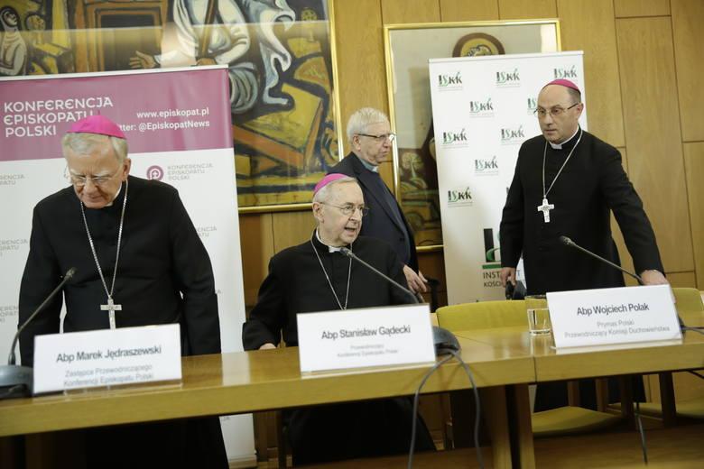 Biskupi: Przyznajemy, że jako pasterze Kościoła nie uczyniliśmy wszystkiego, aby zapobiec krzywdom