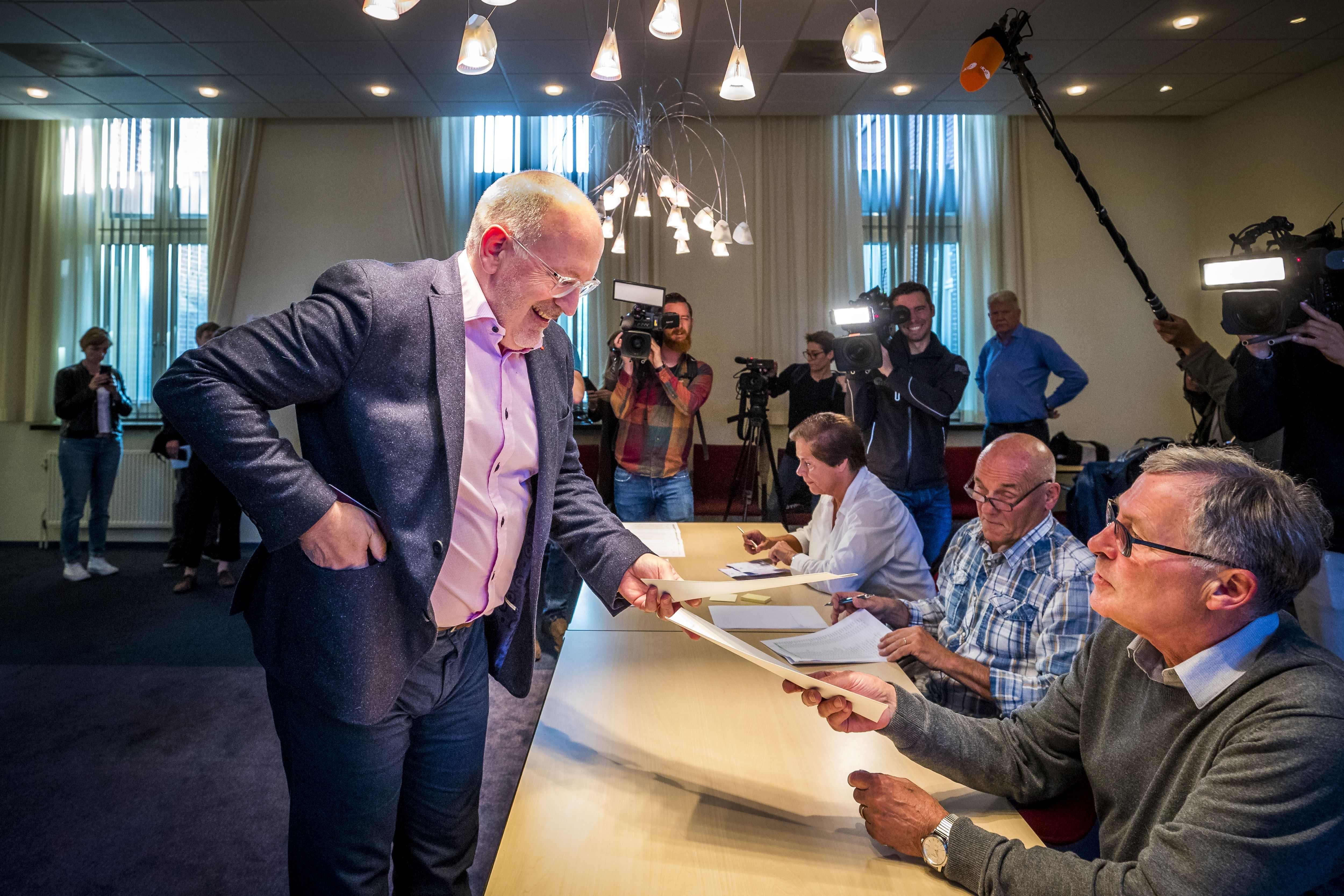 Holandia: Sondażowe wyniki wyborów do Parlamentu Europejskiego dają zwycięstwo partii F.Timmermansa