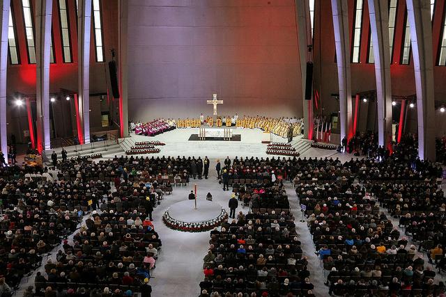 Polskie pieśni religijne i patriotyczne śpiewano w Świątyni Opatrzności Bożej w Warszawie