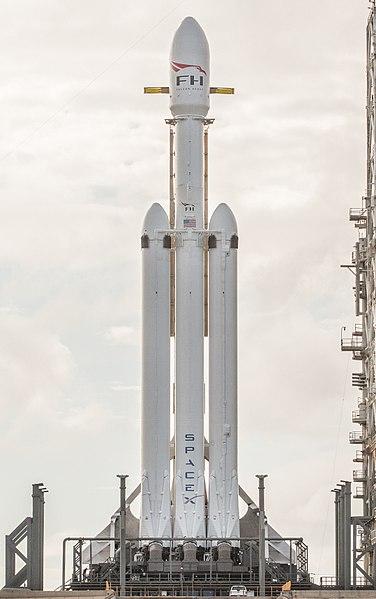Elon Musk wysłał na orbitę najpotężniejszą rakietę na świecie