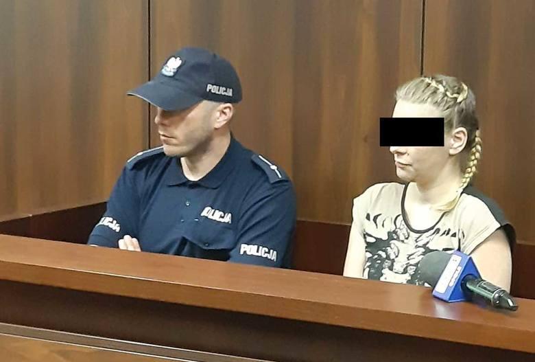 Ciężarna kobieta zaatakowała nożem partnera w mieszkaniu w Namysłowie. Później zaczęła gotować zupę