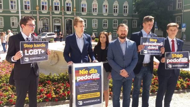 """Konfederacja KORWiN Braun Narodowcy rozpoczyna zbiórkę podpisów. """"Stop seksualizacji"""""""