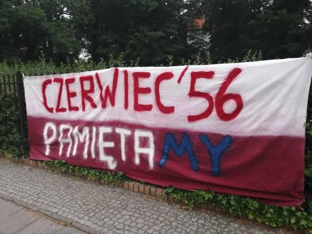 Poznański Czerwiec 56′. To kibice przygotowali transparent