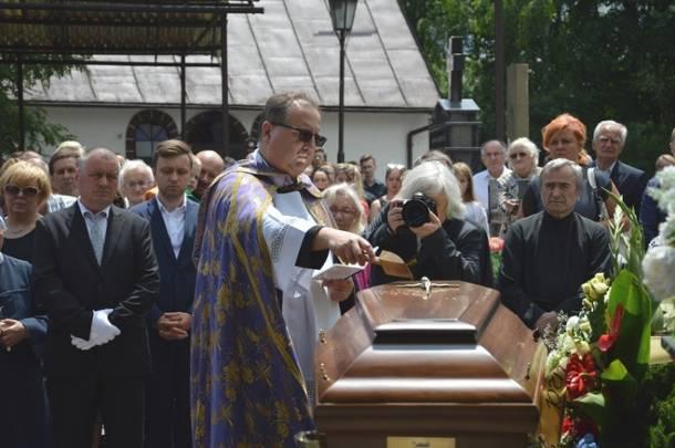 Pogrzeb o. Piotra Matejskiego. Zakonnik popełnił samobójstwo