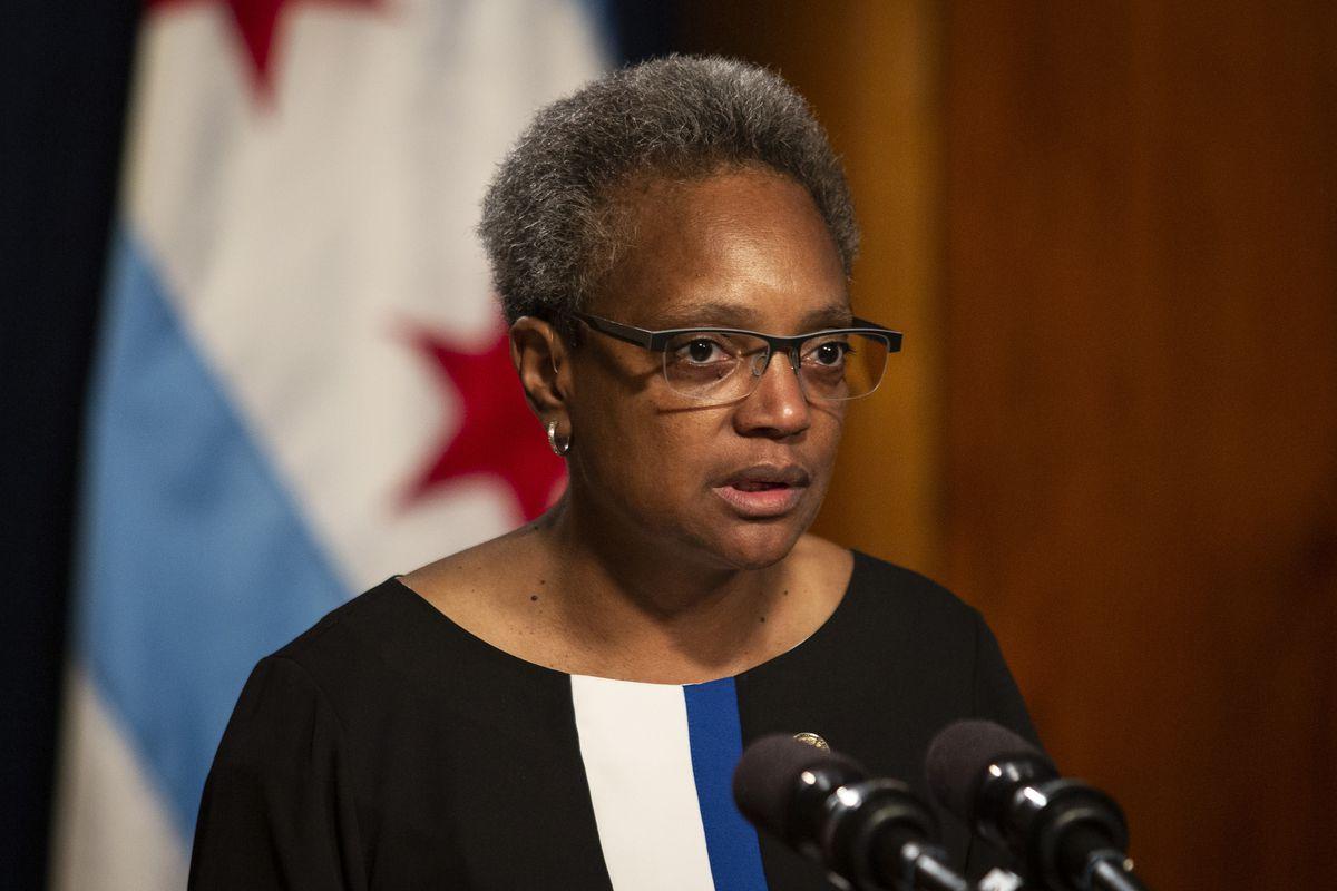 Burmistrz po krwawym weekendzie broni chicagowskiej policji