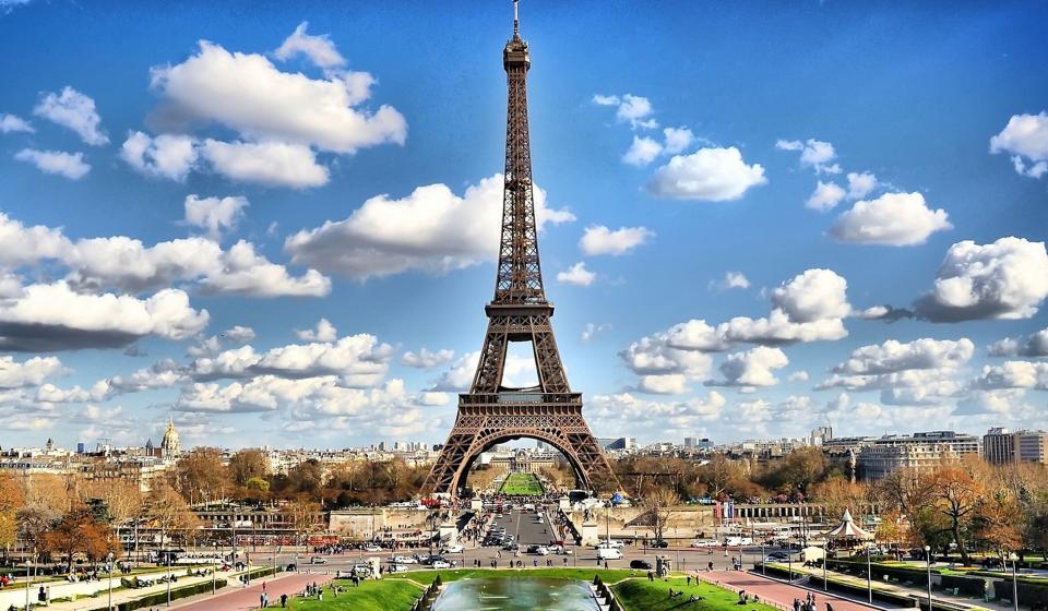 Paryż na pierwszym miejscu wakacyjnego rankingu