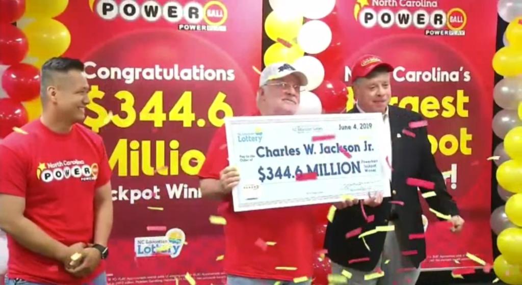 66-latek z Karoliny Północnej odebrał główną wygraną w Powerball