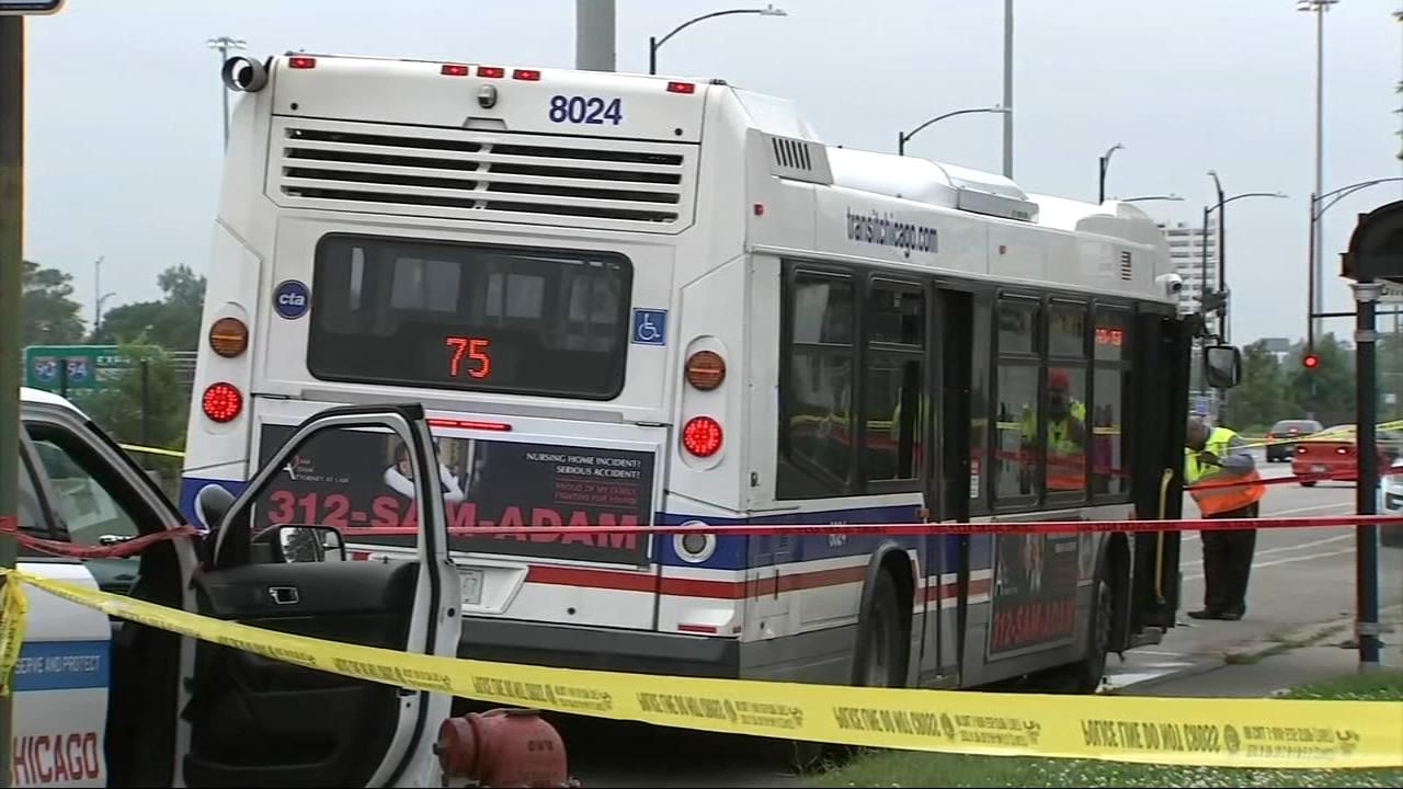Trzy osoby postrzelone w autobusie CTA