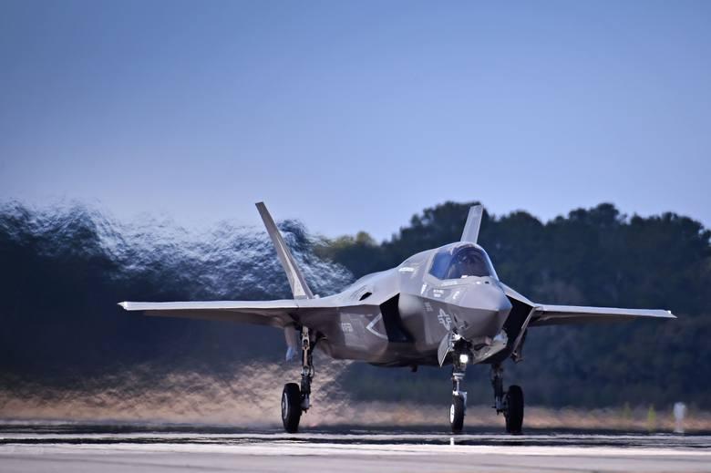 Amerykański rząd zaakceptował sprzedaż Polsce 32 myśliwców F-35. Za jaką kwotę?