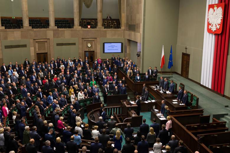 Szefernaker (PiS): Wnioskujemy do marszałek Witek o informację nt. zakupu nowego sprzętu do głosowania