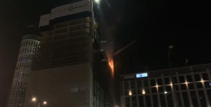 Pożar wieżowca w Warszawie. Aktualna sytuacja