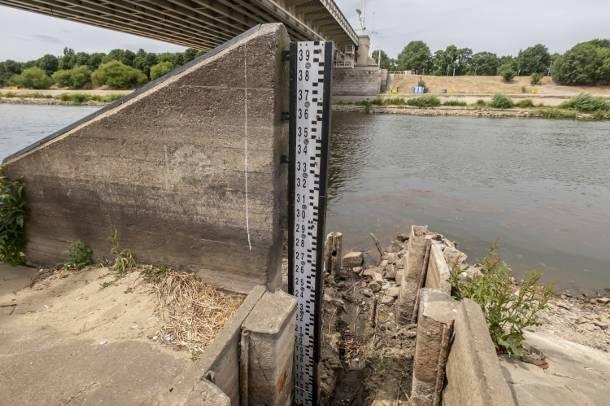 Bardzo niski stan wód w polskich rzekach