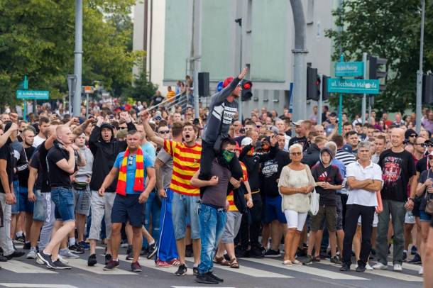 Marsz równości w Białymstoku. Pobity nastolatek opowiada o ataku i agresji z jaką się spotkał [FOTORELACJA]