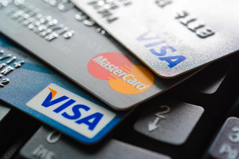 Z Rosji mogą się wycofać międzynarodowe sieci płatnicze Visa i Mastercard