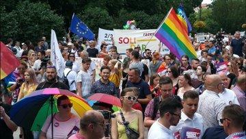 """Fundacja Mamy i Taty przedstawiła raport o organizacjach LGBT w Polsce. """"Dążą do tego, by sformatować umysł młodych ludzi"""""""