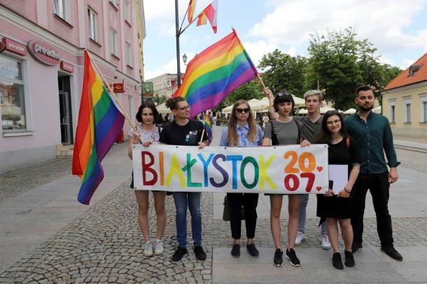 Marsz Równości w Białymstoku: 20 zatrzymanych osób, jedna policjantka z obrażeniami