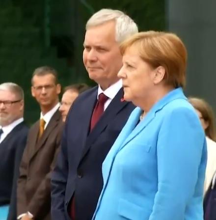 Merkel znów miała napad drgawek. Niemieckie media zaniepokojone stanem zdrowia kanclerz