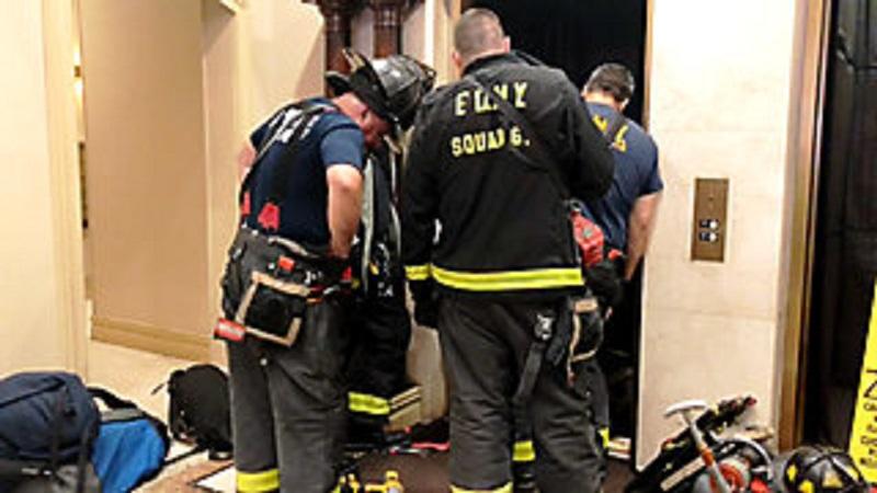 Zmiażdżony przez windę na Manhattanie