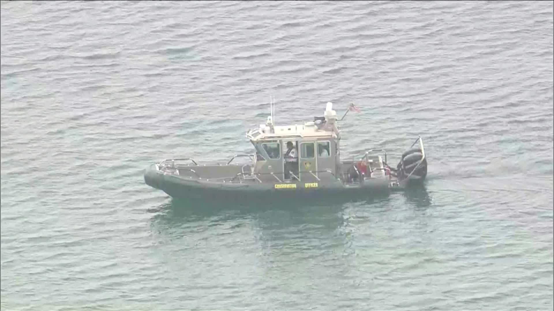 Ratownicy wznawiają poszukiwania Polaka, który wpadł do jeziora Michigan