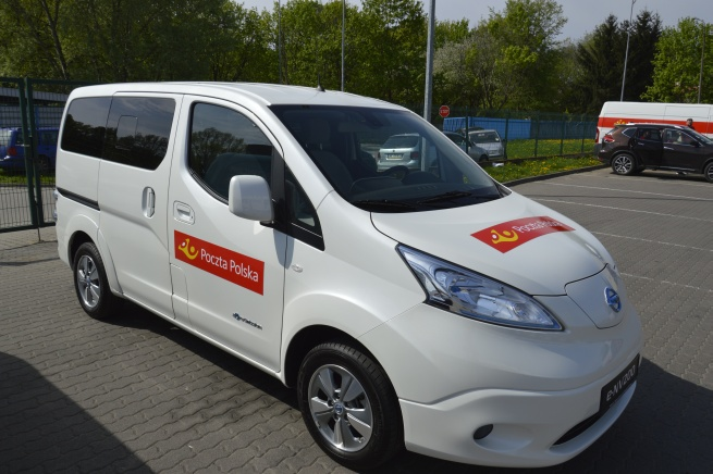 Poczta Polska będzie dostarczać paczki samochodami elektrycznymi