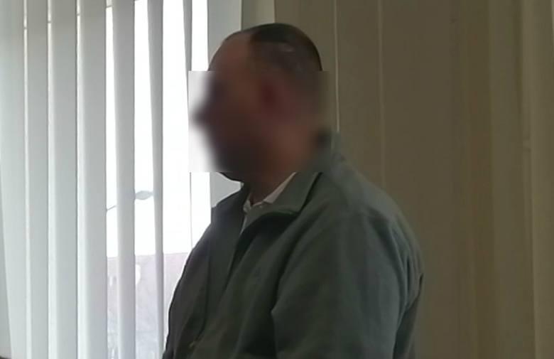 Wronki: Więzień próbował zabić strażnika więziennego drutem, bo dostał za mało jedzenia? Sąd w Poznaniu skazał go na 12,5 roku więzienia