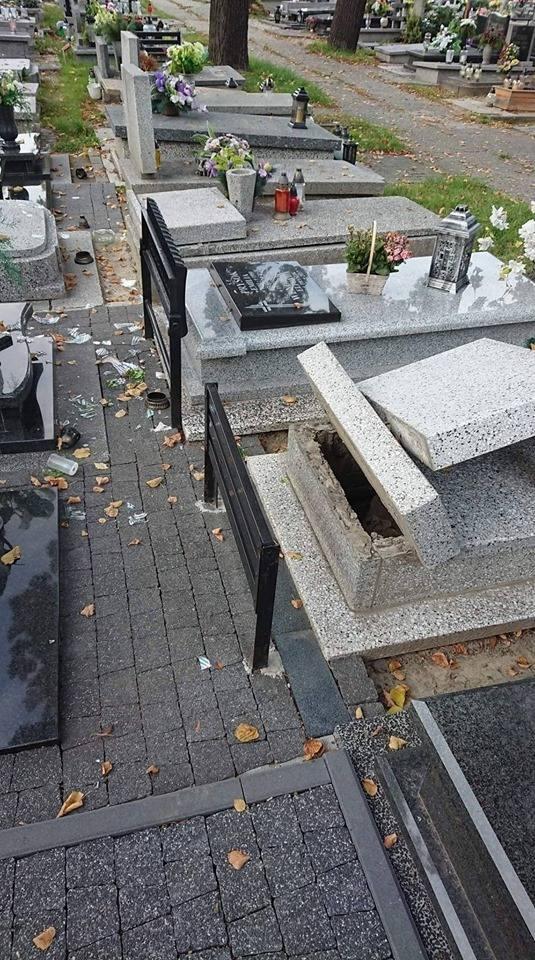 Cmentarz w Siemianowicach Śląskich został zdemolowany przez wandali