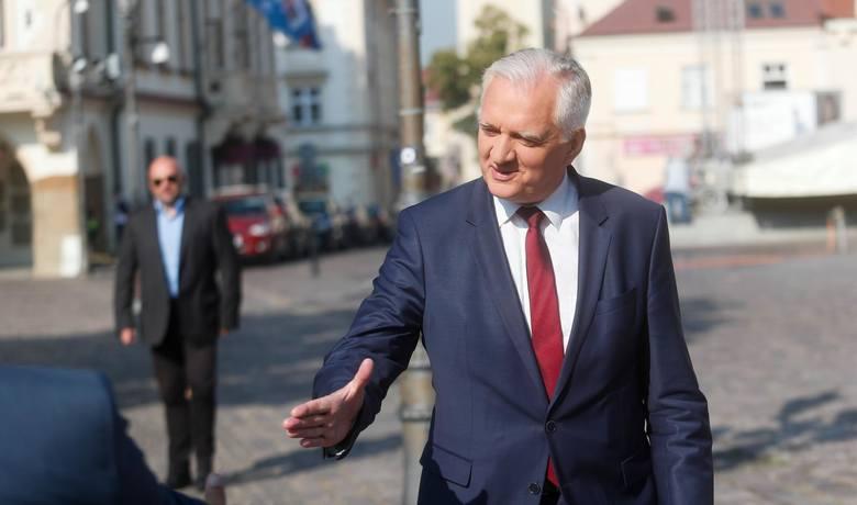 Gowin o pensjach w dużych miastach: 8 tysięcy zł to nie jest wysoka pensja. Ile zarabiają Polacy w dużych miastach?