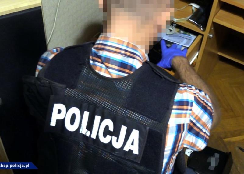 Policjanci zatrzymali 6 podejrzanych o posiadanie pedofilskiej pornografii