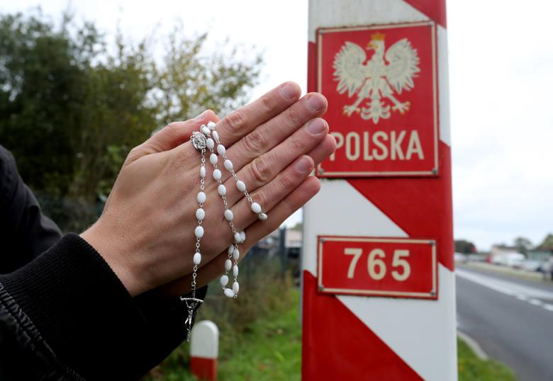 Poznań: Polska pod Krzyżem. Wierni zbiorą się w parku Jana Pawła II