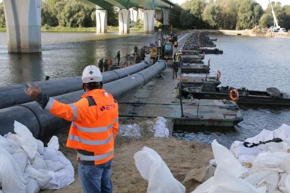 Warszawa: Uruchomienie awaryjnego rurociągu