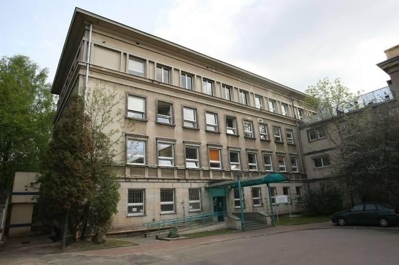 Ojciec skatował dziecko w Łodzi. Czteromiesięczny niemowlak czeka na operację