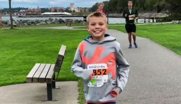 Młody biegacz z Illinois chce dostać się do księgi rekordów Guinnessa