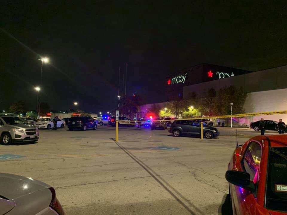 Strzelanina przed centrum handlowym w Calumet City. Dwie osoby ranne