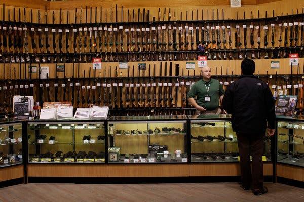 Sklepy sportowe Dick's zniszczyły broń wartą ponad 5 milionów dolarów
