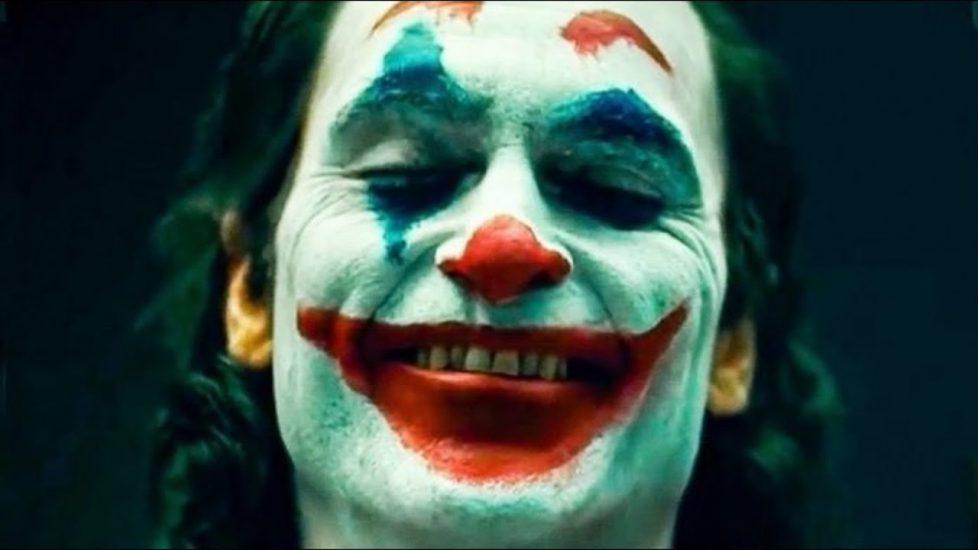 """Strach przed premierą filmu """"Joker"""". Służby obawiają się masakry"""