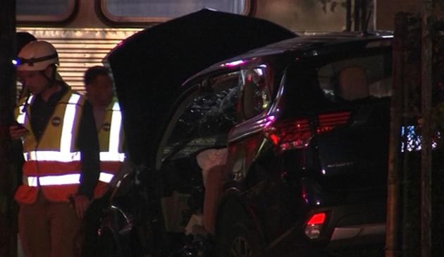 Pociąg CTA uderzył w samochód. Są ranni