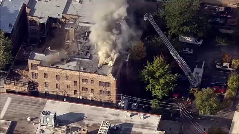 Pożar budynku apartamentowego w dzielnicy Uptown