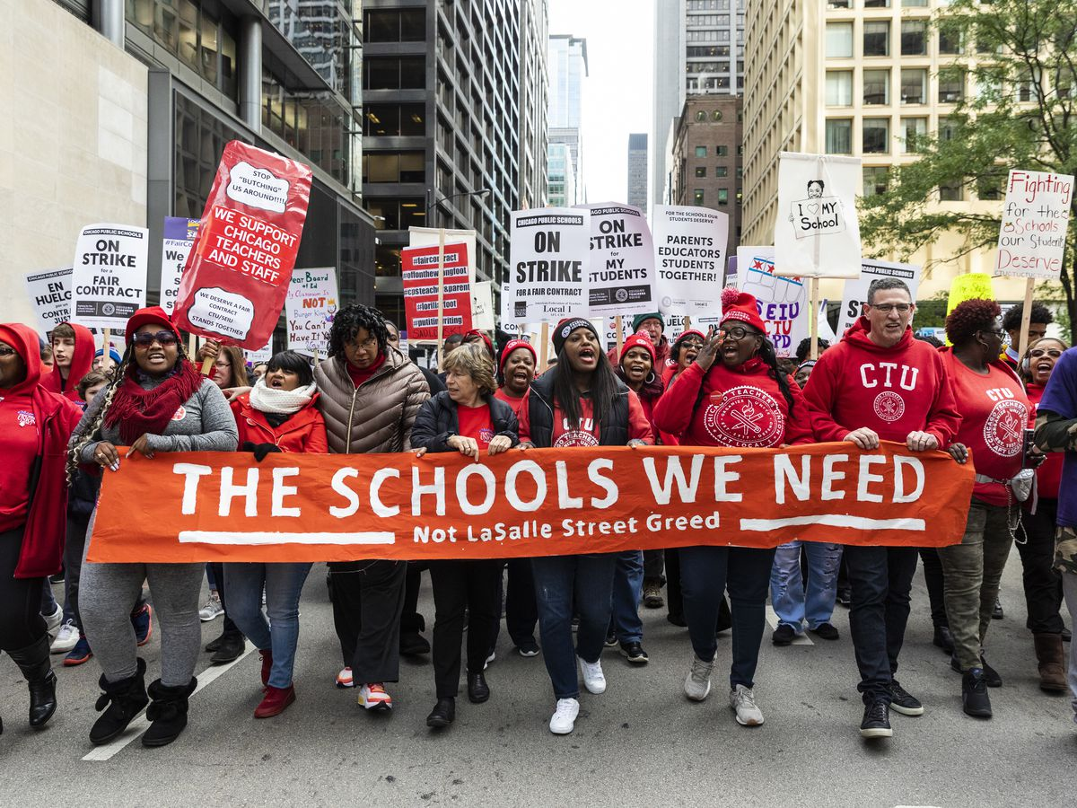 Protest strajkujących nauczycieli szkół publicznych